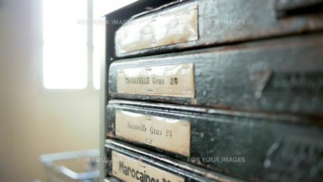 活字の棚の写真素材 [FYI00620637]