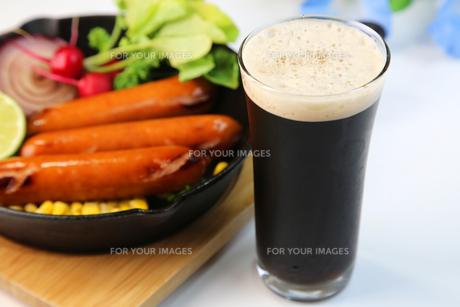 黒ビールの写真素材 [FYI00620868]