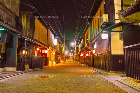 京都 夜の祇園の写真素材 [FYI00621481]