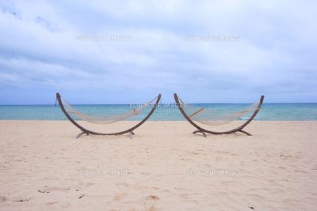 ビーチとハンモック|リゾートイメージの写真素材 [FYI00623663]