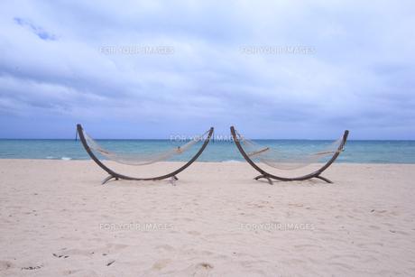 ビーチにあるハンモック|リゾートイメージの写真素材 [FYI00623703]