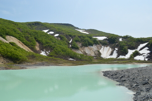 栗駒山 初夏 昭和湖の写真素材 [FYI00623908]