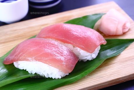 寿司 鮪 日本酒の写真素材 [FYI00625199]