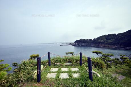 番所庭園の上からみた海の景色の写真素材 [FYI00625294]