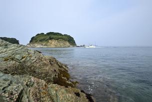 番所庭園の上からみた海の景色の写真素材 [FYI00625296]