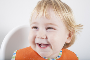 baby face laughingの写真素材 [FYI00628108]