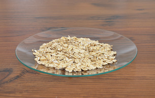 glass plate of oatmealの素材 [FYI00628933]