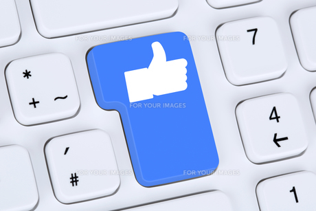 like button icon icon thumbs up social media and social network on the internetの素材 [FYI00630205]