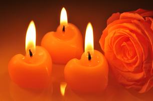 candle heartの写真素材 [FYI00631343]