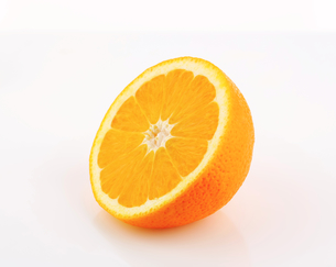 Half orangeの写真素材 [FYI00631928]