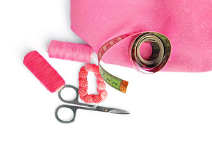 Pink accessories with fabricの写真素材 [FYI00633702]