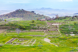 view of ancient Morgantina settlement in Sicilyの素材 [FYI00633726]