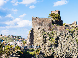 Norman castle in Aci Castello village, Sicilyの写真素材 [FYI00633743]