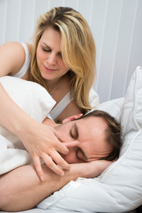 Woman Is Holding Husband's Noseの写真素材 [FYI00634151]