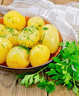 Potato boiled with dill and parsleyの素材 [FYI00634387]