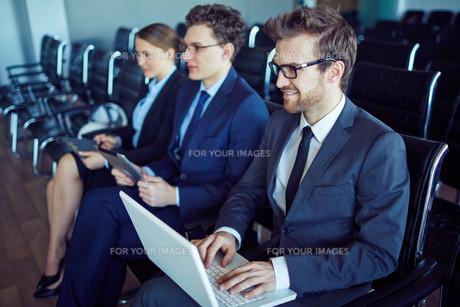 Sitting at seminarの素材 [FYI00635076]