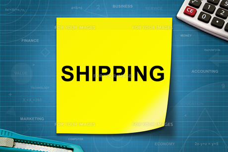 Shipping word on yellow noteの写真素材 [FYI00636260]