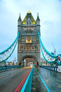 Tower bridge in London, Great Britainの写真素材 [FYI00636319]