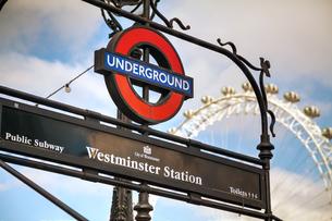 London underground signの素材 [FYI00636336]