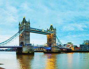 Tower bridge in London, Great Britainの写真素材 [FYI00636374]