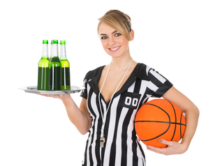 Referee With Drinks And Basketballの素材 [FYI00636757]