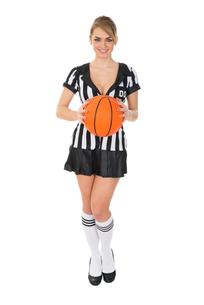 Female Referee Holding Basketballの素材 [FYI00636770]