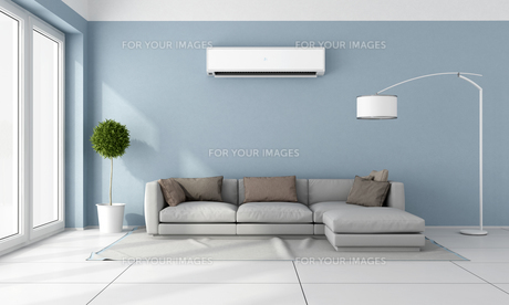 Living room with air conditionerの素材 [FYI00636992]