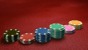casino chips of bet side angle red tableの素材 [FYI00637696]