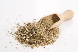Dry mate tea, isolated on whiteの写真素材 [FYI00637765]
