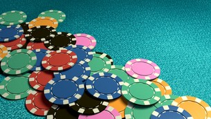 many of casino chips blue tableの写真素材 [FYI00638058]