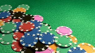 many of casino chips green tableの写真素材 [FYI00638059]