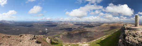lanzarote - panorama of the montana de guardilamaの写真素材 [FYI00638151]