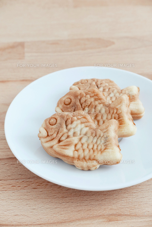 Taiyaki of japanese traditional baked sweets on the tableの写真素材 [FYI00638679]