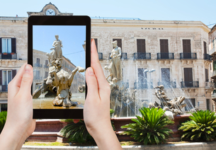 photo of Piazza Archimede in Syracuse, Italyの写真素材 [FYI00638781]