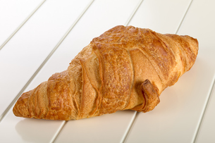 Sweet Croissant with chocolateの写真素材 [FYI00639110]