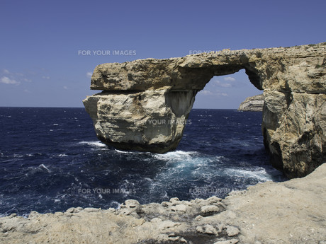 the island of gozo in the mediterraneanの写真素材 [FYI00639218]