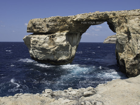 the island of gozo in the mediterraneanの写真素材 [FYI00639220]