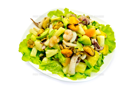 Salad seafood and avocado with lettuceの写真素材 [FYI00639876]