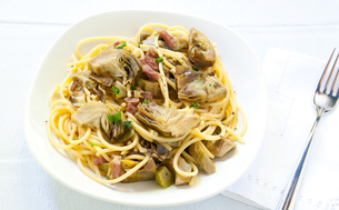 Italian Pasta with artichokes and Parmesanの写真素材 [FYI00640740]