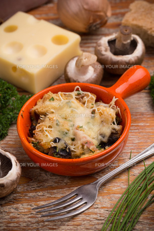 Bread and cheese souffleの写真素材 [FYI00640999]