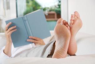 relaxation readingの写真素材 [FYI00641106]
