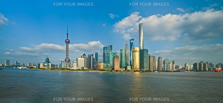 China Shanghai Pudong district Skylineの写真素材 [FYI00641432]