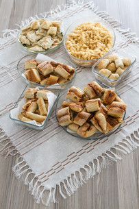 Homemade traditional Turkish pastriesの写真素材 [FYI00641503]