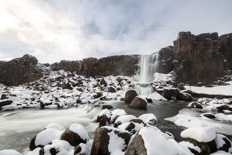 pingvellir Waterfall Icelandの写真素材 [FYI00641997]