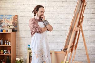Artist in studioの写真素材 [FYI00642365]