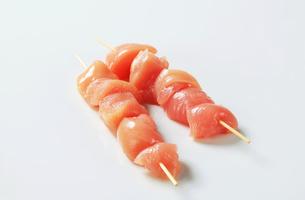 Fresh chicken skewersの写真素材 [FYI00642652]