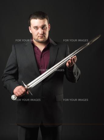 gangster boss with swordの素材 [FYI00642789]