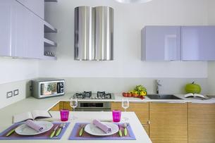 interior view of a modern kitchenの写真素材 [FYI00642872]