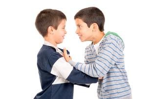 Boys fightingの素材 [FYI00642947]