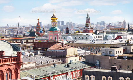 Moscow city skyline with Kremlinの写真素材 [FYI00643218]